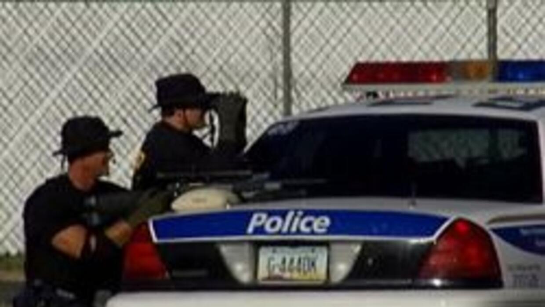 Policia de Phoenix  esperando refuerzos