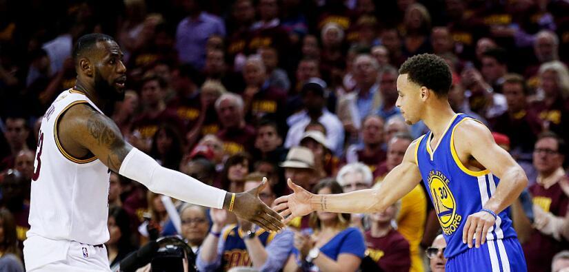 Lebron James y Curry los dos mejores de la NBA.