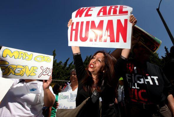 La población hispana no escapó a la ola intolerante. Muchos comenzaron a...