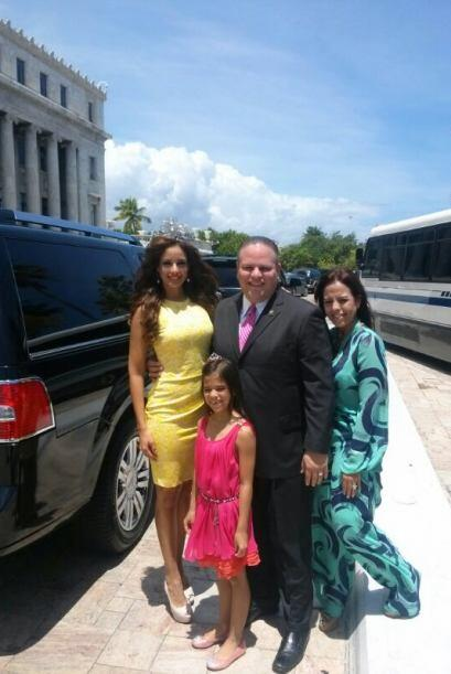 La octava reina de Nuestra Belleza Latina, Aleyda Ortiz recibió un homen...
