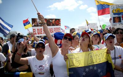 Exfuncionarios chavistas residentes en Florida son blanco de protestas l...