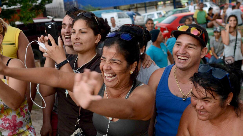 Inmigrantes cubanos salen de Costa Rica hacia Estados Unidos