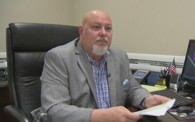 Juez desestimó el proceso revocatorio contra el alcalde de Sweetwater po...