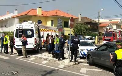 Avioneta cae en picado y se estrella contra en un camión en Portugal, de...