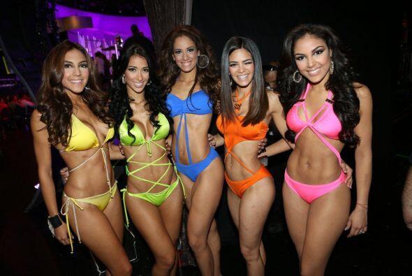 Fuera del escenario, las chicas nos muestran sus mejores poses.
