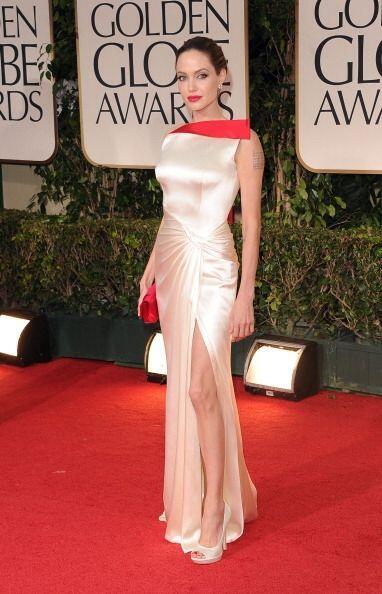 Para 2012, el título del vestido más memorables de los Golden Globes se...