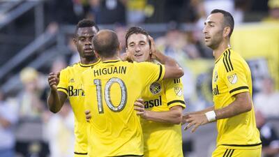 Con un brillante Higuaín, Columbus Crew remonta 3-2 a Sporting Kansas City