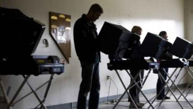 El poder de los latinos debe hacerse sentir en las urnas, sin importar l...