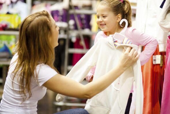 Ahorra en indumentaria. Evita gastar de más, comprando ropa al fi...
