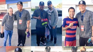 Migel Cabrera con los jugadores del Barcelona