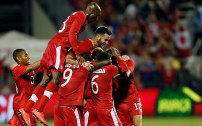 Canadá celebra un gol en eliminatorias a Rusia 2018