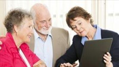 El grupo de adultos mayores de 65 años es el que más cuentas crea en Fac...