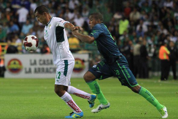 El primero de ellos fue en la Jornada 4 del Apertura 2012 cuando los Pan...