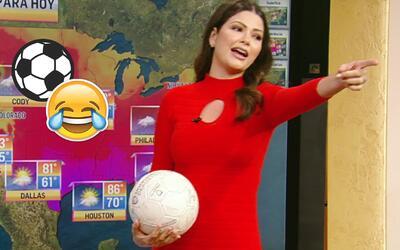 Ana Patricia comenzó la semana con sus mejores chistes sobre futbolistas