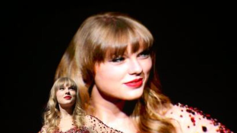 El disco Red de la joven cantante country, encabeza las listas de ventas...