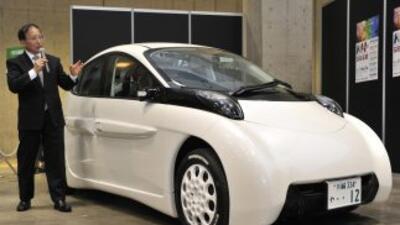 La empresa del profesor Hiroshi Shimizu, que espera sacar el vehículo al...
