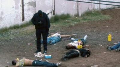 El preisdente de México, Felipe Calderón, admitió que la violencia en el...