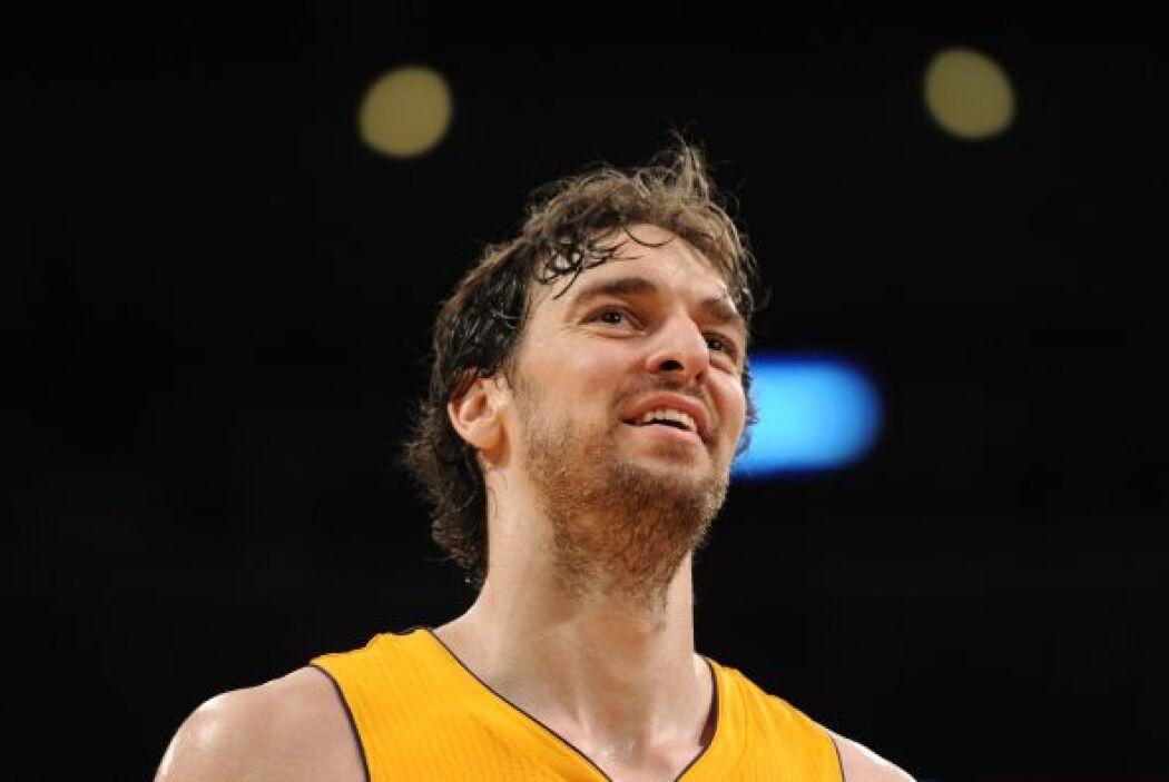 49. PAUL GASOL- Gasol firmó la extensión de su contrato con los Lakers p...