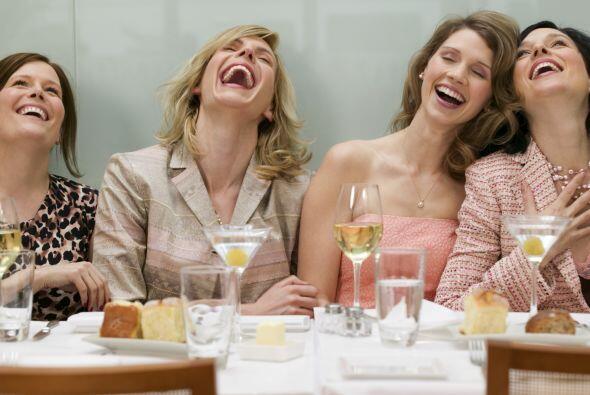 Relaciones: No te aísles, mantén cerca a tus amigos y fami...