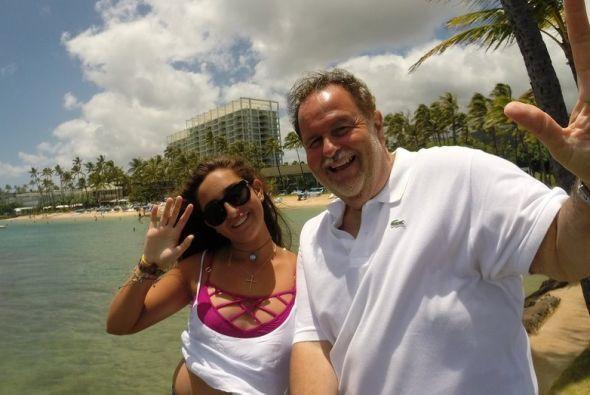 Por una parte, Raúl se llevó a su familia a Hawaii.