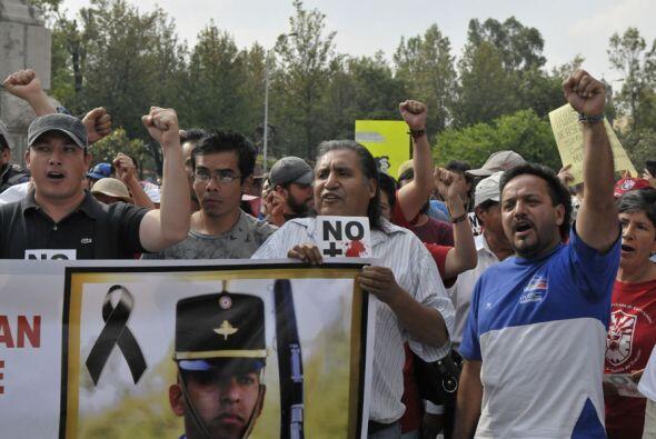 Manifestaciones similares transcurrieron en las principales ciudades mex...