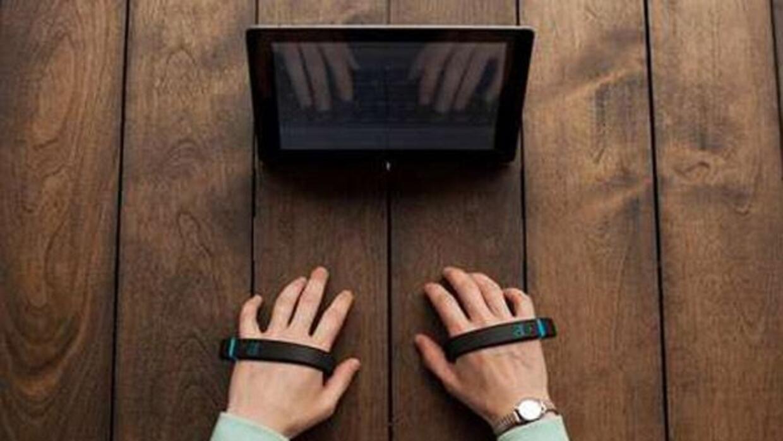 Con esta pulsera se puede escribir en el aire. (Foto: Air Type)