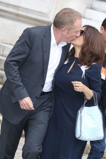 La pareja se atacó con tremendos besos, que podrían causar la envidia de...
