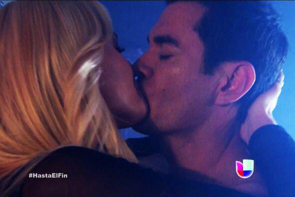 ¡Te dio un beso que jamás olvidarás!
