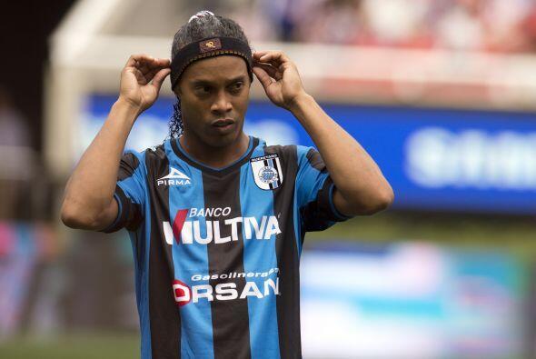Ronaldinho logró su primer gol con el Querétaro en tiempo récord en comp...