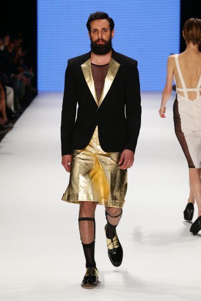 El diseñador Hakan Akkaya pensó que muchos caballeros matarían por vesti...