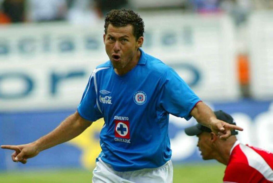El Cruz Azul hizo su mala obra al abollarle la corona de campeón al Pach...