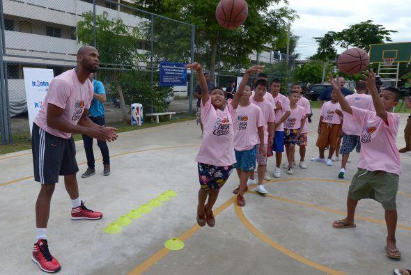 Un total de 40 niños y 24 niñas que fueron seleccionados p...