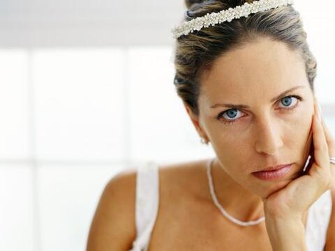 Si bien la novia es el centro de atención durante el camino al al...