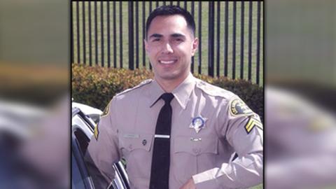 Jorge Chávez, de 42 años, es un sargento del Departamento...
