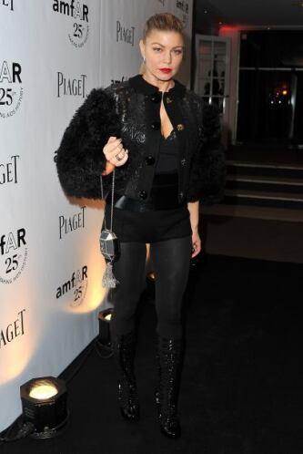 Los bolsos han conquistado a famosas como Paris Hilton, Bar Refaeli, Jes...