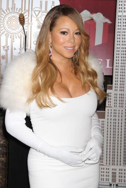 Y llegó enfundada en un entalladísimo vestido blanco que f...