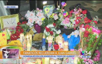 Fanáticos recuerdan a Juan Gabriel en su estrella de la fama en Hollywood