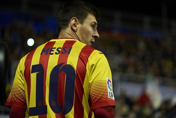 4.- Para muchos el mejor futbolista del mundo pero no el que más gana. L...