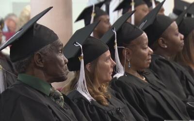 Un total de 25 personas dejaron la indigencia para graduarse de un curso...
