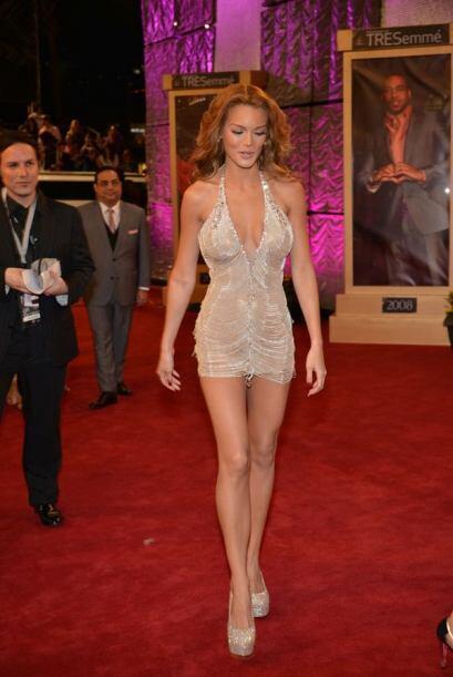 Una de las grandes sorpresas de la noche fue la llegada de laex Miss Uni...