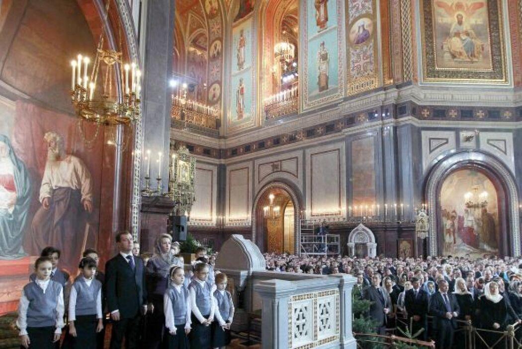 En Rusia más de 30,000 iglesias, catedrales y monasterios celebran la Na...