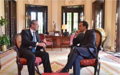 El gobernador de Puerto Rico y el gobernador electo se reunieron para co...