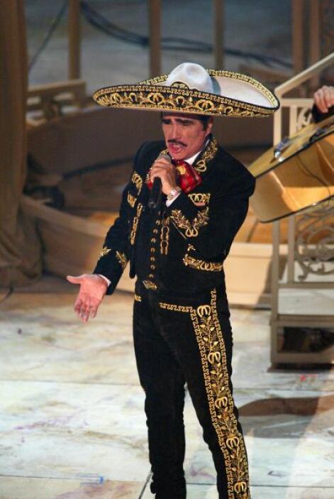 En 2002 Vicente Fernández nos dio una dosis de buena música mexicana. El...