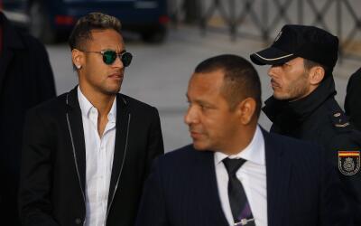 Fiscalía brasileña denuncia a Neymar