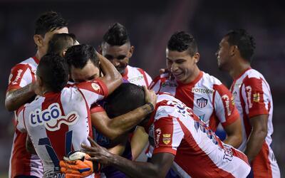 Junior de Colombia clasificó al batir 2-1 al venezolano Deportivo...