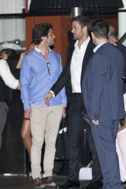 William Levy estuvo conversando unos momentos con Diego Boneta mientras...