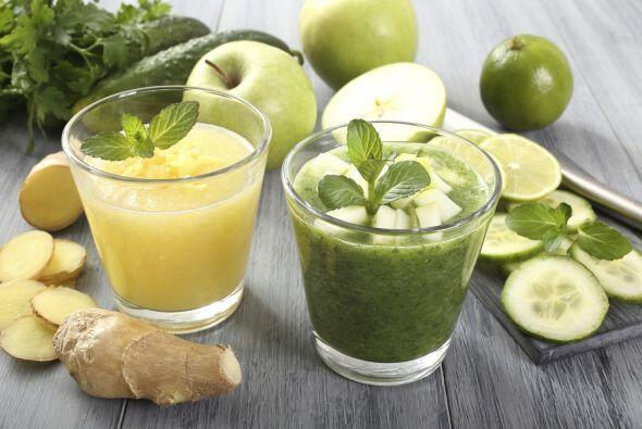 Que tal un cóctel que tenga como base manzana verde o pepino.