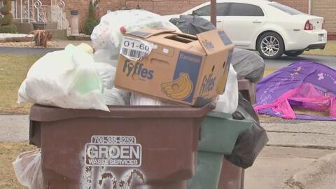 Basura y más basura: el desalentador panorama de un barrio en Harvey