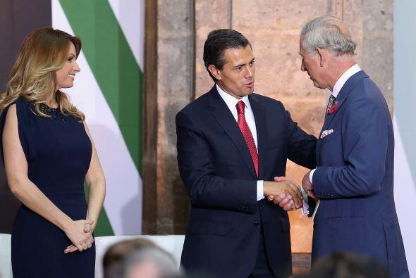 La primea dama de México, Angélica Rivera, los acompañó en casi todas la...