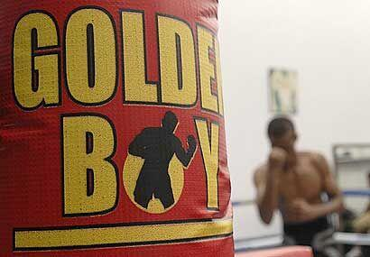 Golden Boy Promotions, empresa de Oscar De la Hoya, ha hecho un fuerte t...